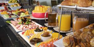 Завтрак Шведский стол в отеле на Родосе