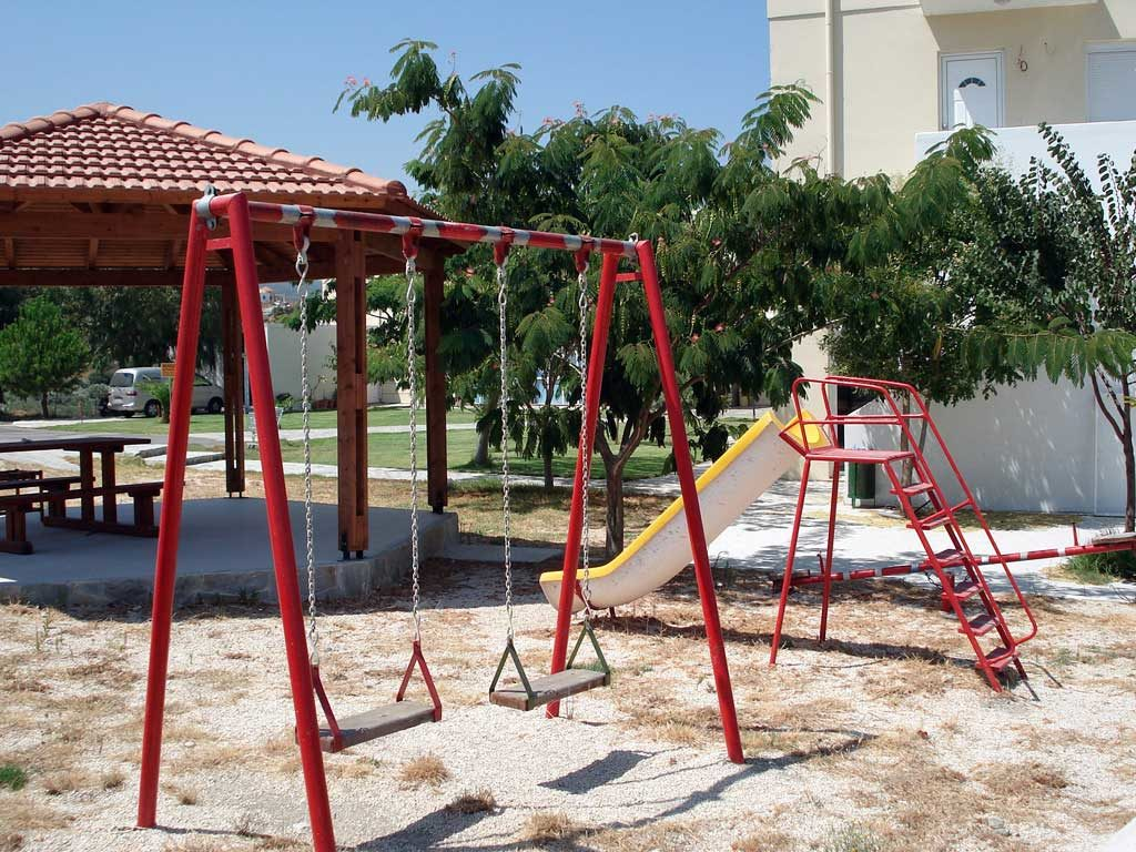 Детская площадка в музее пчел на Родосе