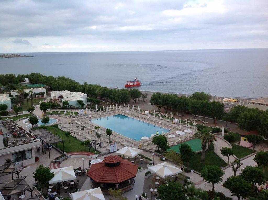 Пляж в отеле Луис Колоссос 4* на острове Родосе