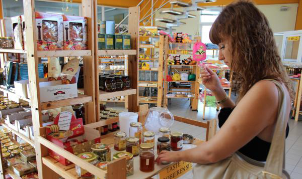 Дегустация в магазине музея пчел на Родосе