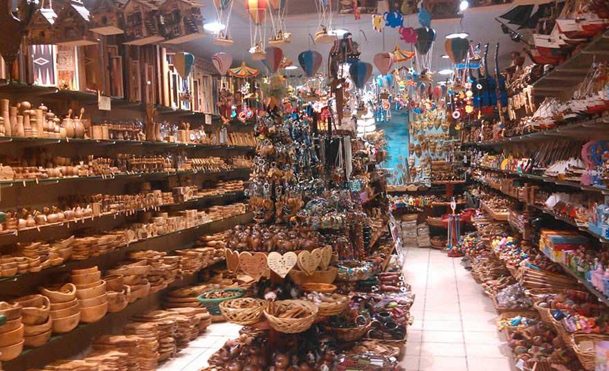 Сувениры из оливкового дерева на острове Родос