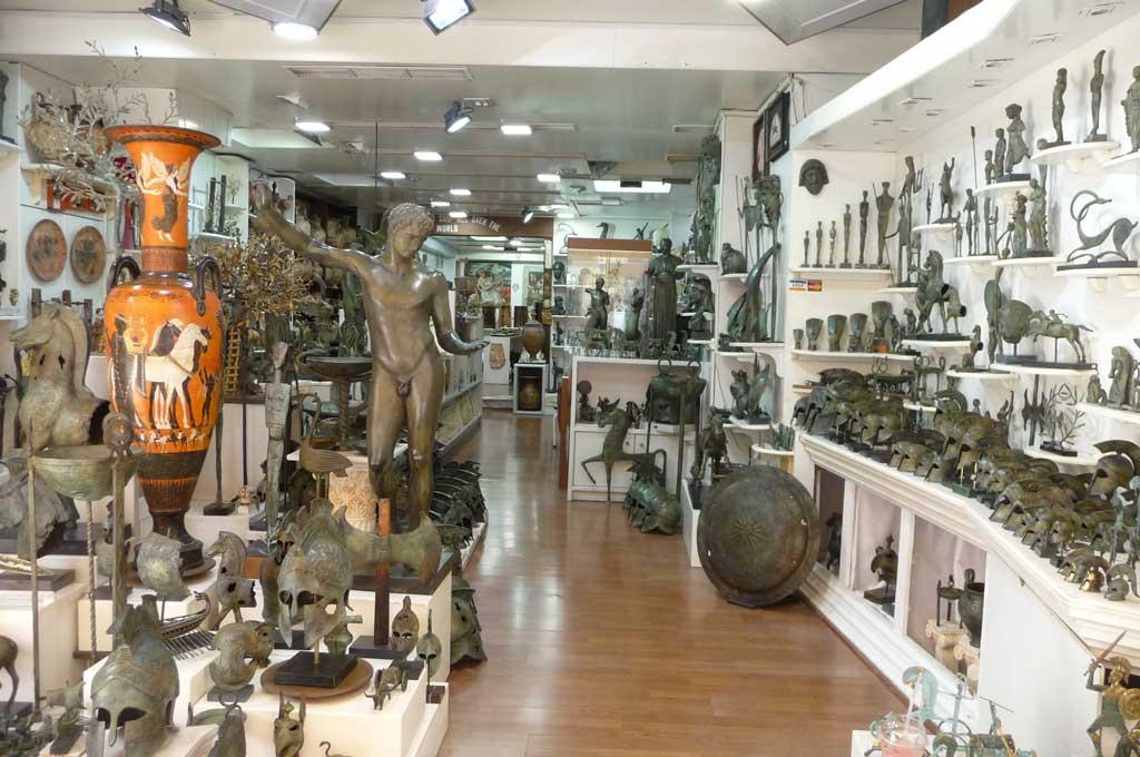 Магазин сувениров древнегреческой тематики на острове Родос