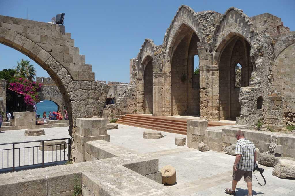 Церковь Богородицы Бурго в Старом городе на острове Родос