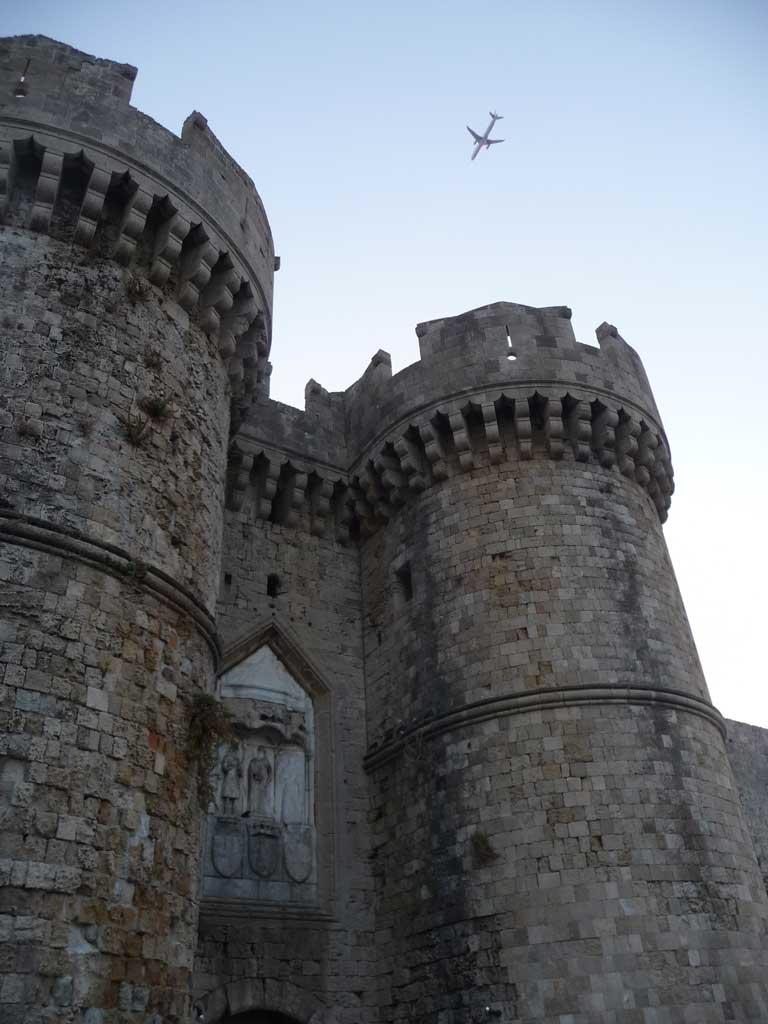 Самые красивые ворота старого города на острове Родос