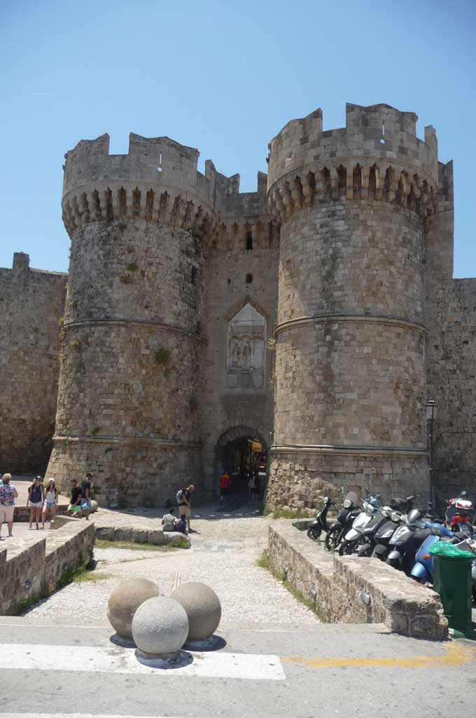 Морские ворота Старого города на острове Родос
