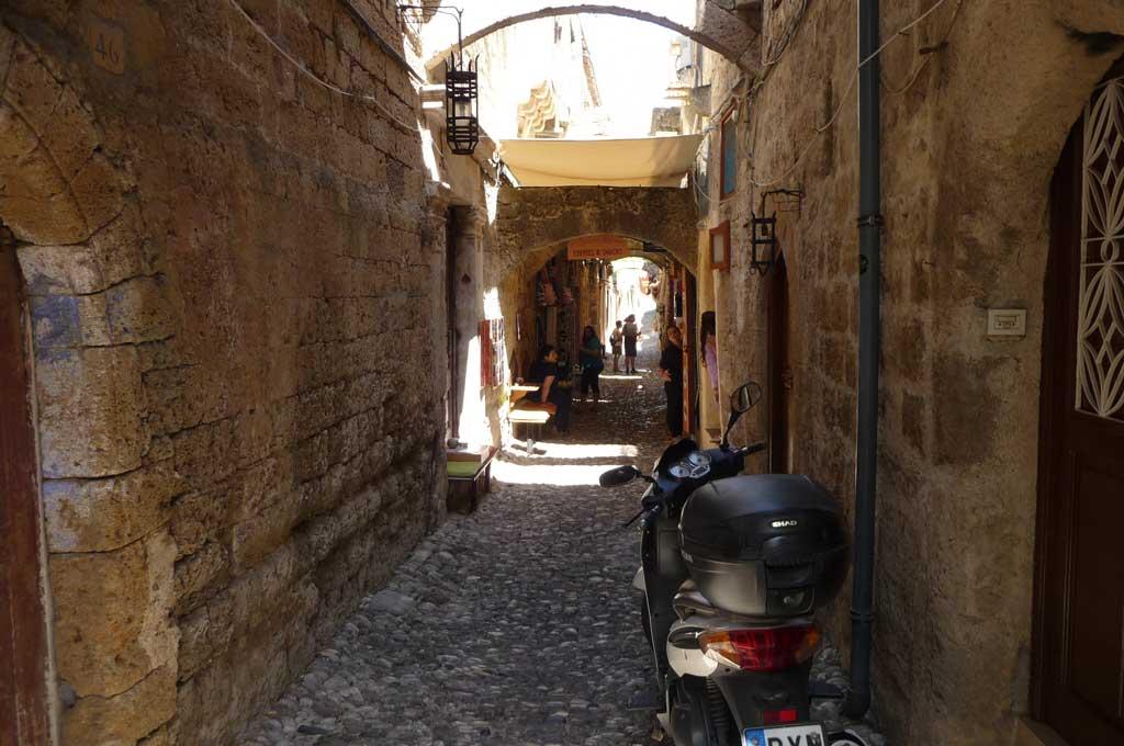 Улица Старого города на острове Родос