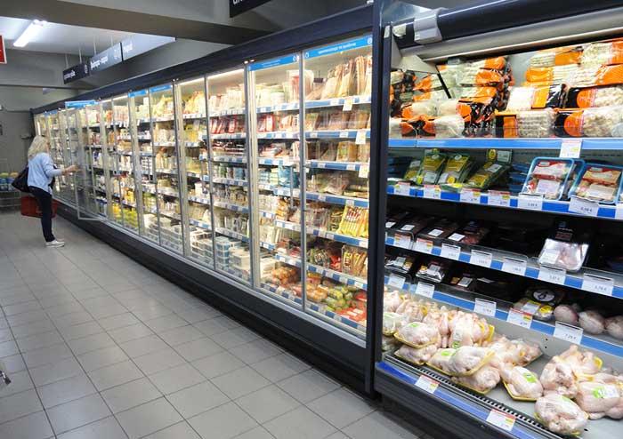 Молочные продукты в супермаркете АБ Фалираки