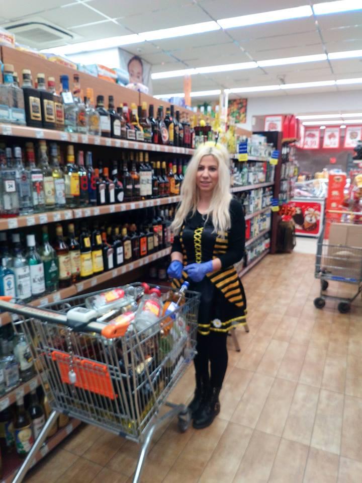 Спиртной отдел в супермаркете Папу на Родосе