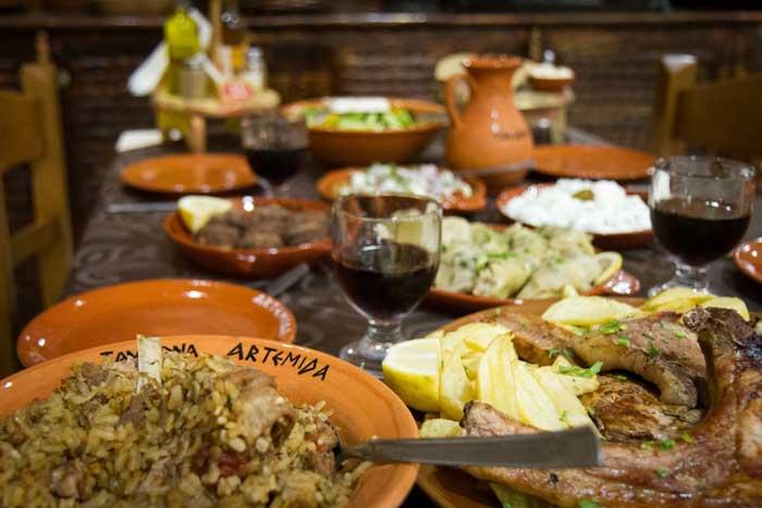 Таверна - традиционный греческий ресторан