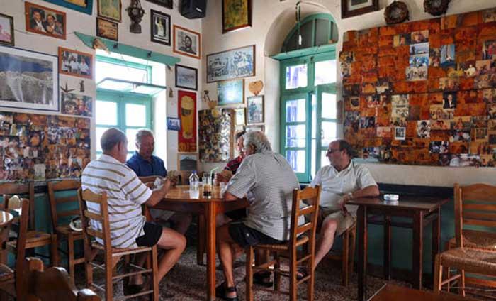 Кафенио - традиционная греческая рюмочная