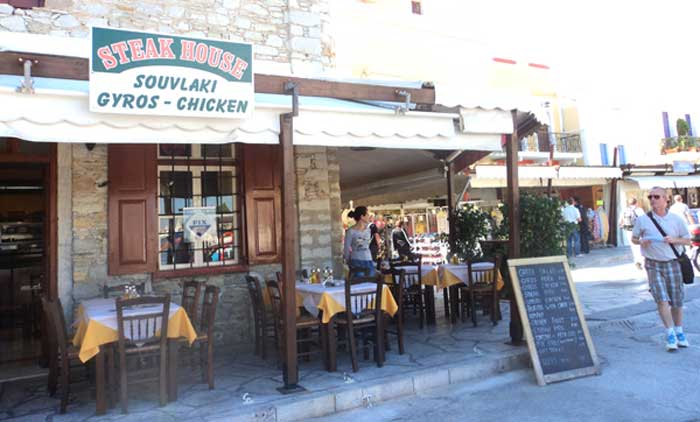 Таверна гирос и сувлаки в Греции