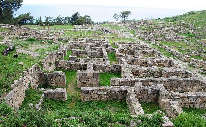 Дома древних жителей Камироса на Родосе