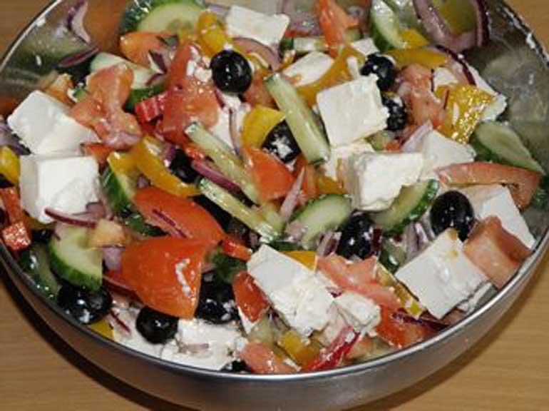 Греческий салат на острове Родос