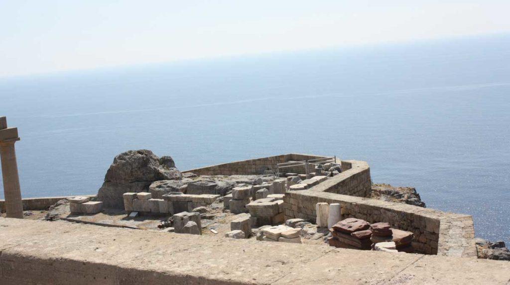 Раскопки на акрополе