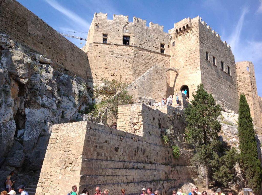 Лестница в рыцарскую крепость