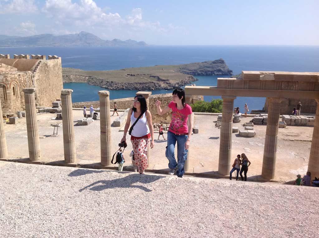 Вид с верхней точки акрополя Линдоса на острове Родос