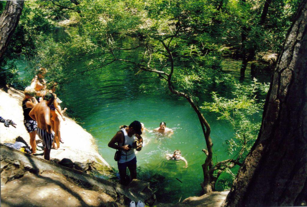 Купание в озере в Заповеднике Семь источников на острове Родос