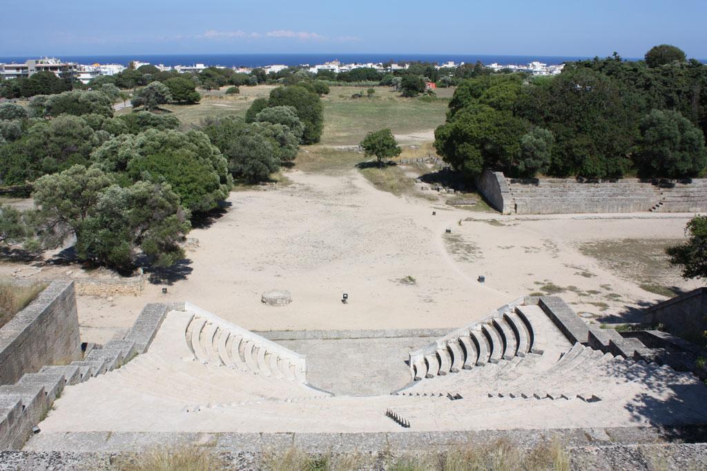 Амфитеатр акрополя на горе Монте Смит на Родосе
