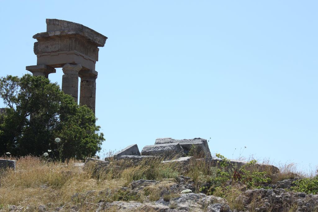 храм Аполлона Пифийского на холме Монте Смит на Родосе