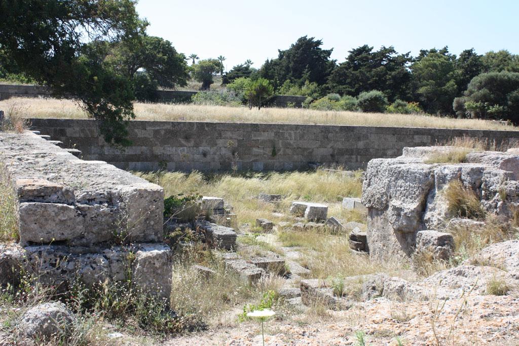 гробница Святого Николая на холме Монте Смит на Родос