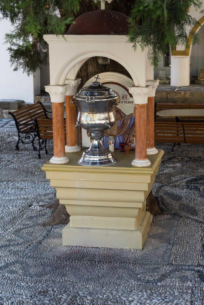 Святой источник монастыря Цамбика на острове Родос