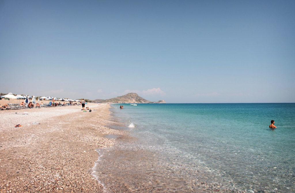 Песчано-галечный пляж Афанду