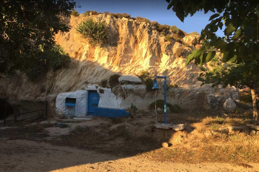 Часовня Святой Агафьи у пляжа Агафи на острове Родос