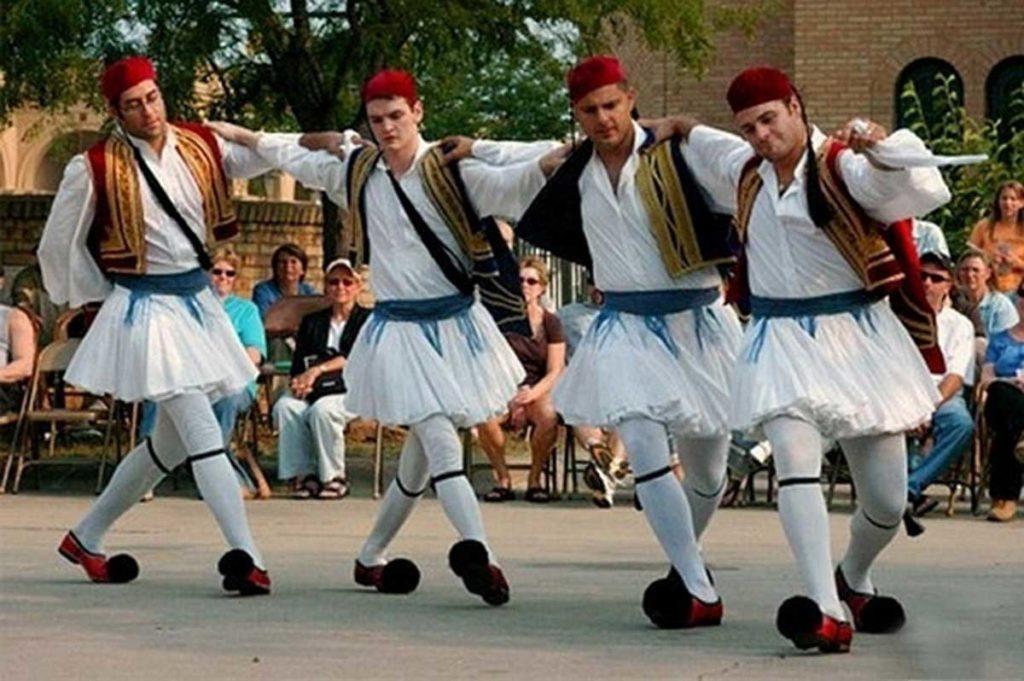 Сиртаки греческий танец придуманный актером Энтони Куинн во время съемок фильма