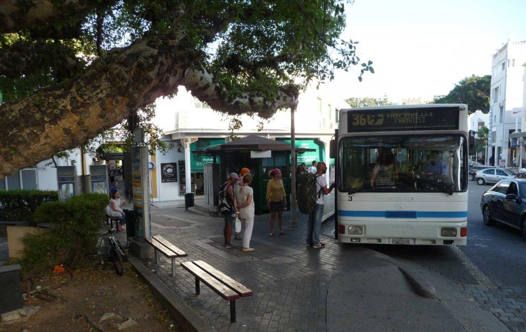 Bus Station - касса и остановка автобусов по Эгейскому побережью Родоса