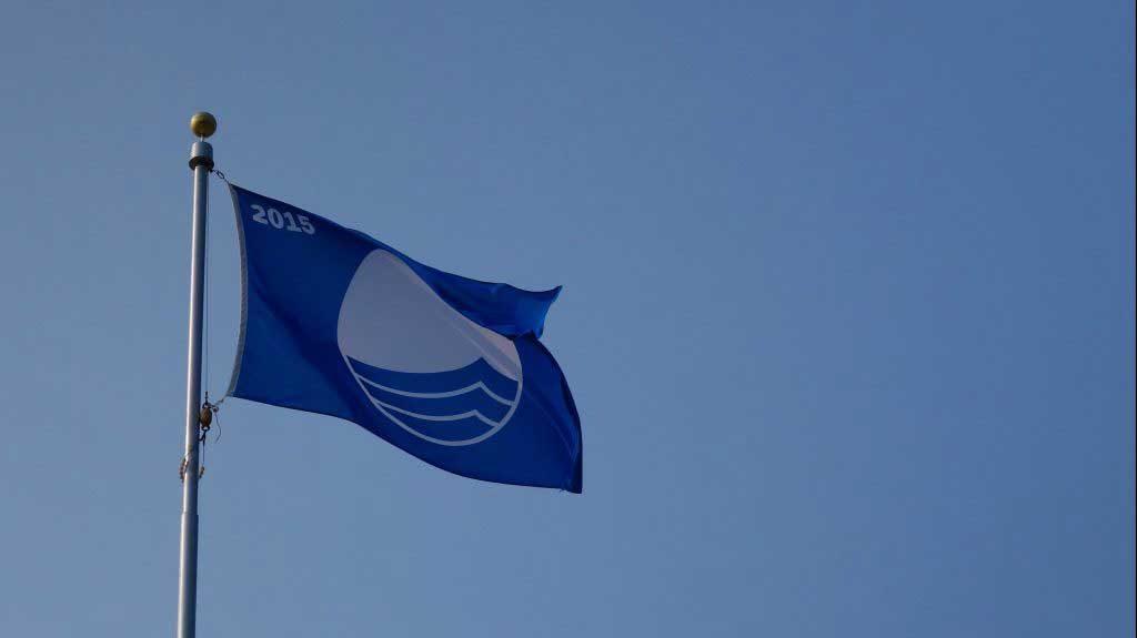 Голубой флаг на пляже Родоса