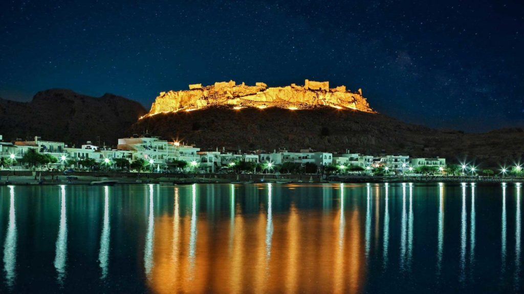 Главная достопримечательность курорта Хараки - руины замка Фераклос