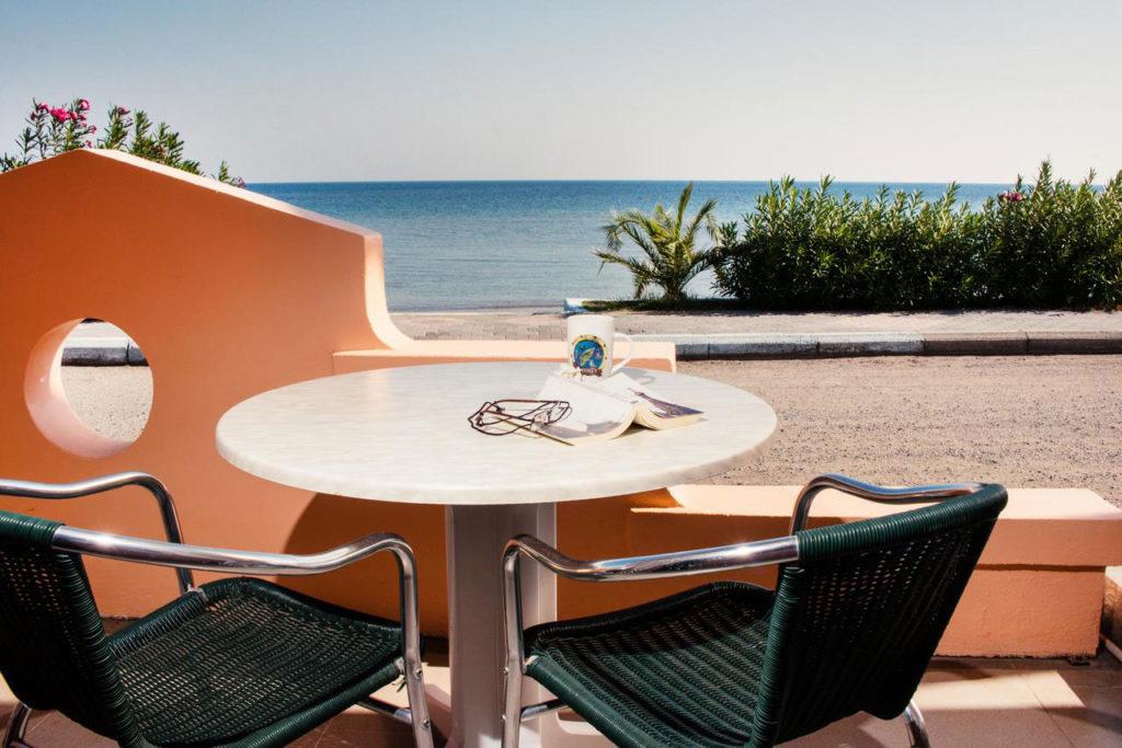 отель Лиманаки на пляже Катара в Фалираки