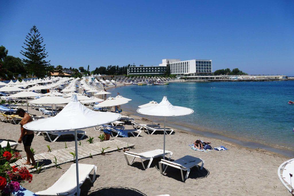 Пляж Рени курорта Коскину