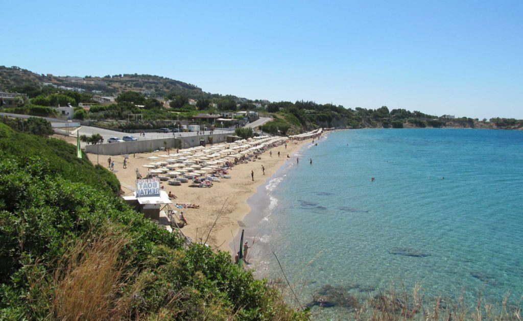 Общий вид на пляж и море