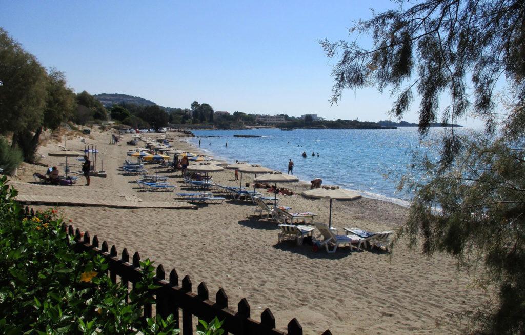 Пляж Плакиа курорт Пефкос остров Родос