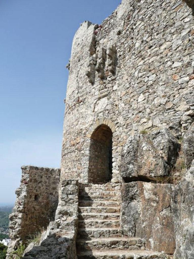 Замок Асклипио лестница воротам