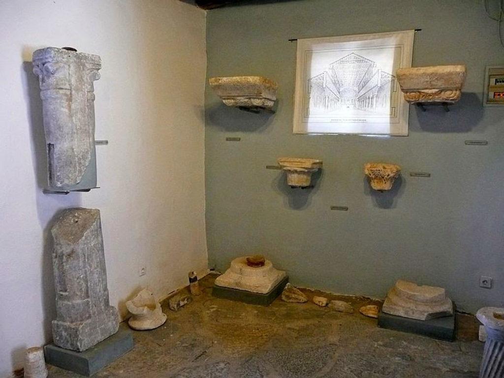Музей предметов религиозного культа в деревне Асклепио