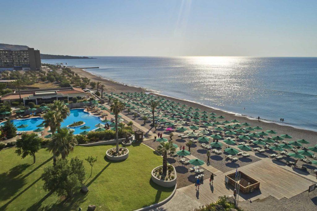 Пляж Фалираки напротив отеля