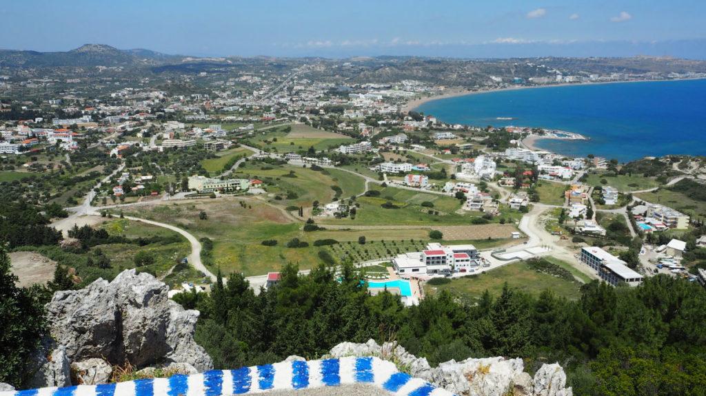 Вид курорта Фалираки со смотровой площадки монастыря Пророка Ильи