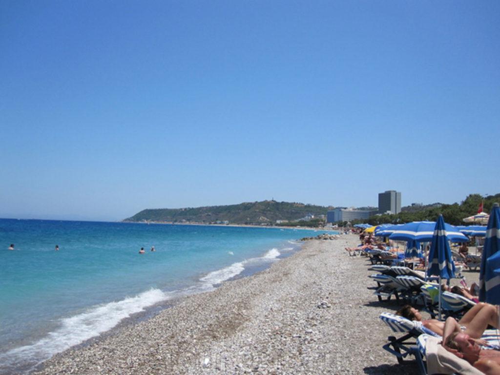 Волны на пляже Иксии