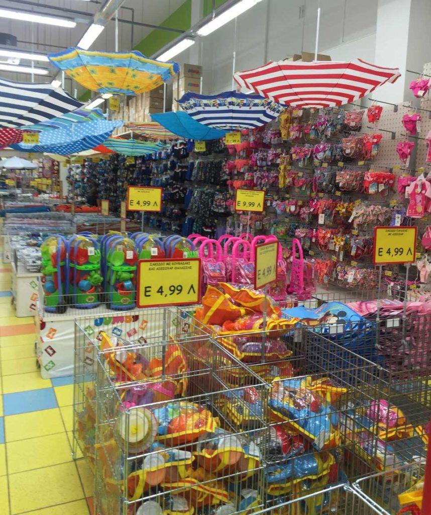 Игрушки в супермаркете Джамбо на острове Родос