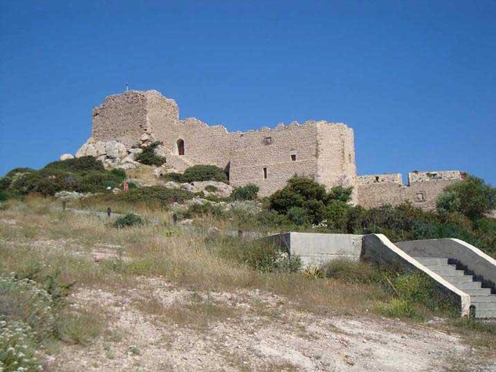 Лестница для подъема к замку Критиния