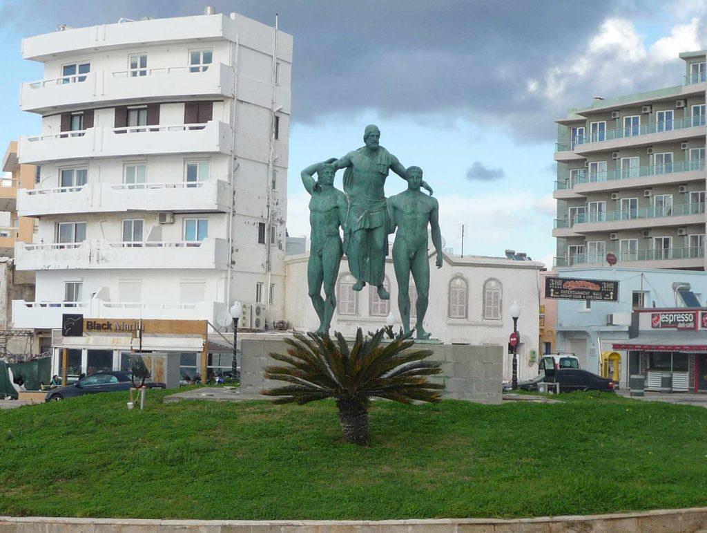 Памятник Диагорасу на острове Родос